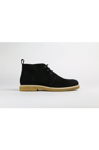 royal republiq cast c. suede chukka shoe - black