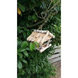 Vogel voederhuisje boomschors pannen