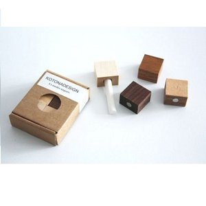 Kotona design  Magneten set - Hout 4 stuks + krijtje