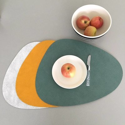 Lind DNA  Placemat Curve L – Hippo Pastel Green - duurzaam leer
