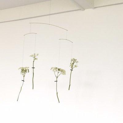 Flensted Mobiles Flying Flowers  uniek design bloemen mobiel 58x42cm