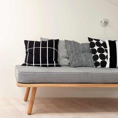 Marimekko Tiiliskivi kussenhoes 50x50cm Zwart Wit - Fins design