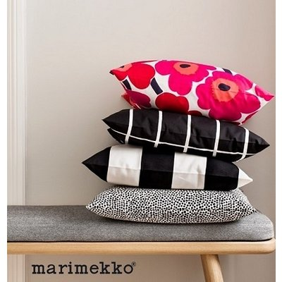 Marimekko  Kussenhoes Unikko Rood 50x50cm - 100% katoen