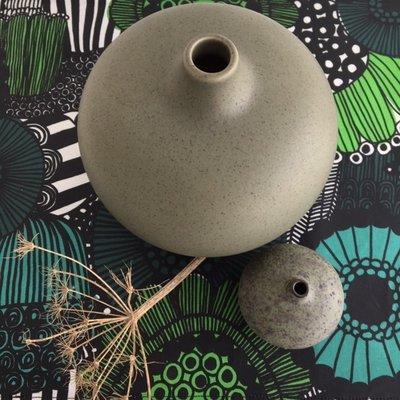 Lindform Vaasje Bari – Greenmelange H6cm - handmade Zweeds design