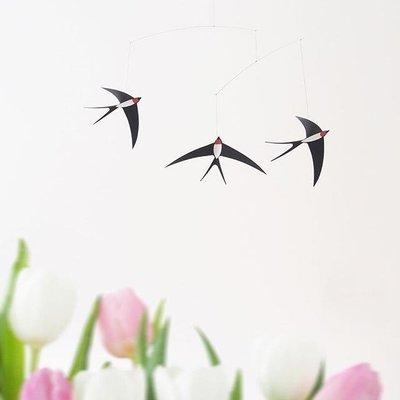 Flensted Mobiles Flying Swallows Mobile - 3 zwaluwen - Deens design