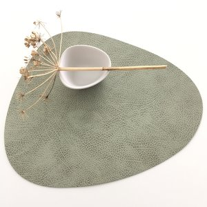 Lind DNA  Placemat Curve L – Hippo Olive
