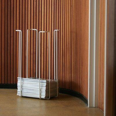 WE Design  Tijdschriftenrek XL wit - 60x33,5x26cm - Deens design