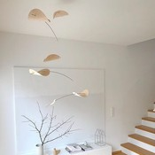 Flensted Mobiles Drifting Clouds mobile met hout details - 80x100cm - handmade