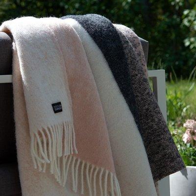 Lina Johansson Plaid Fade Rouge – 130x190cm - 100% Scandinavian wool