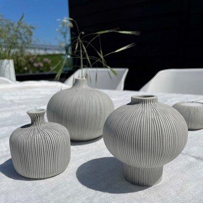 Lindform Vaasje Bottle grey H7cm - handmade