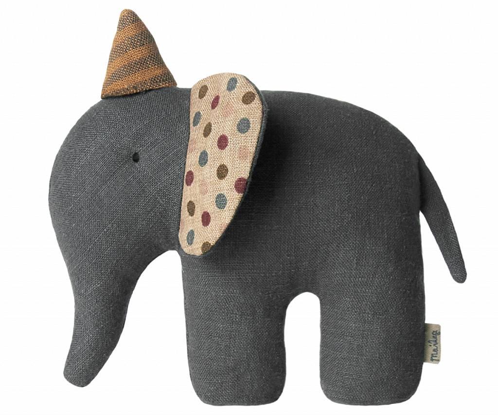 circus elephant-1