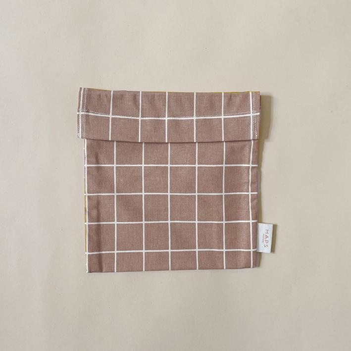 sandwich bag– blush grid-1