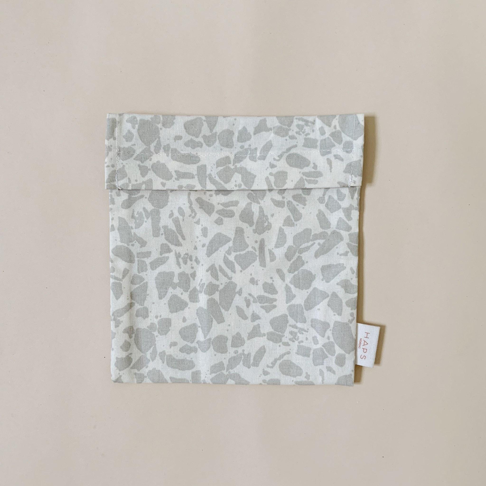 sandwich bag– grey terrazzo-1