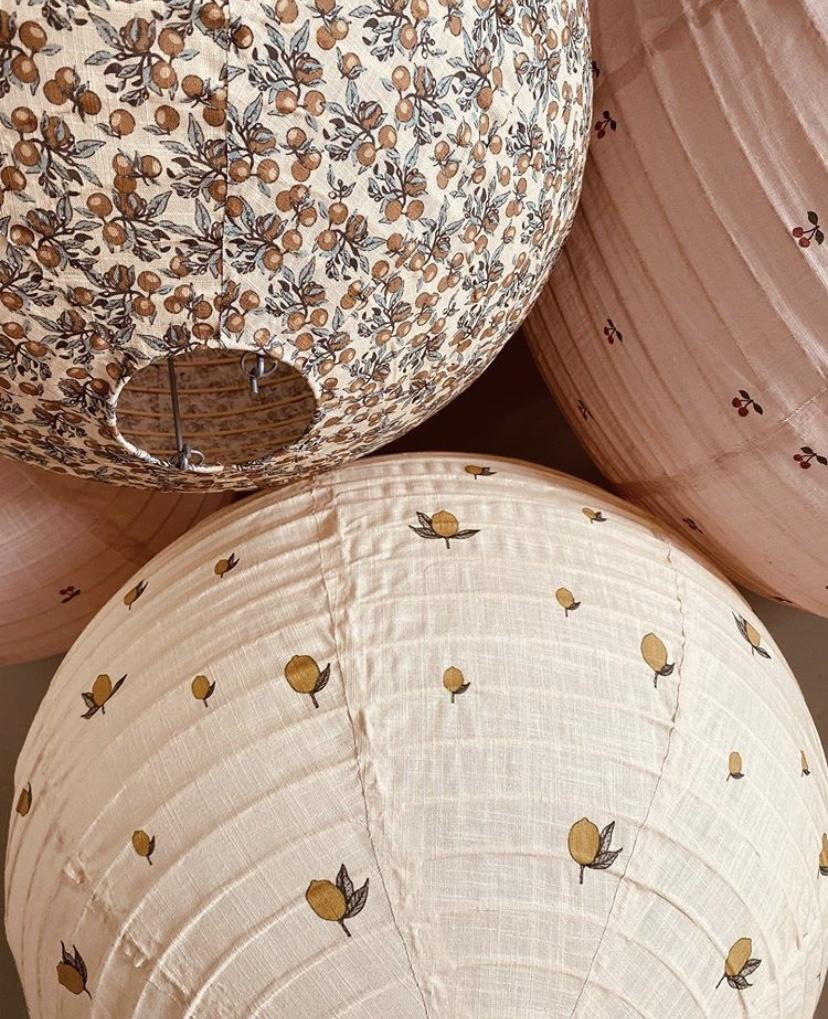hanglamp katoen met kersen print zacht roze-1