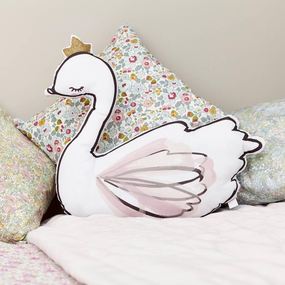Swan cushion-1