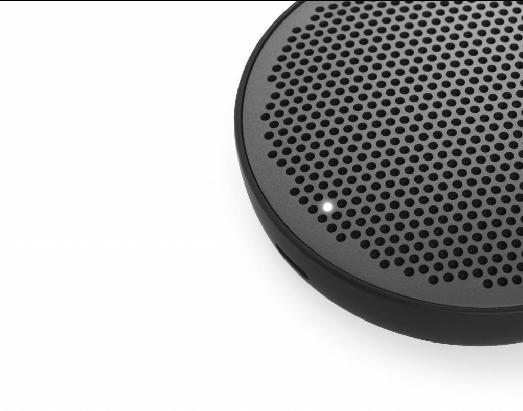 BeoPlay P2-6