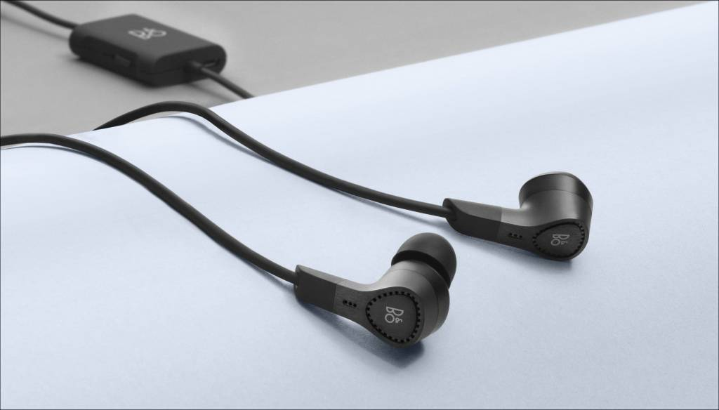 BeoPlay E4-2
