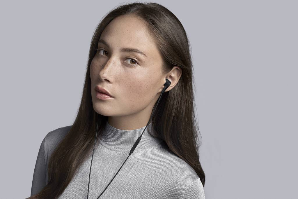 BeoPlay E4-3