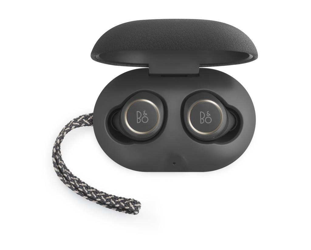 BeoPlay E8 Wireless earset-2