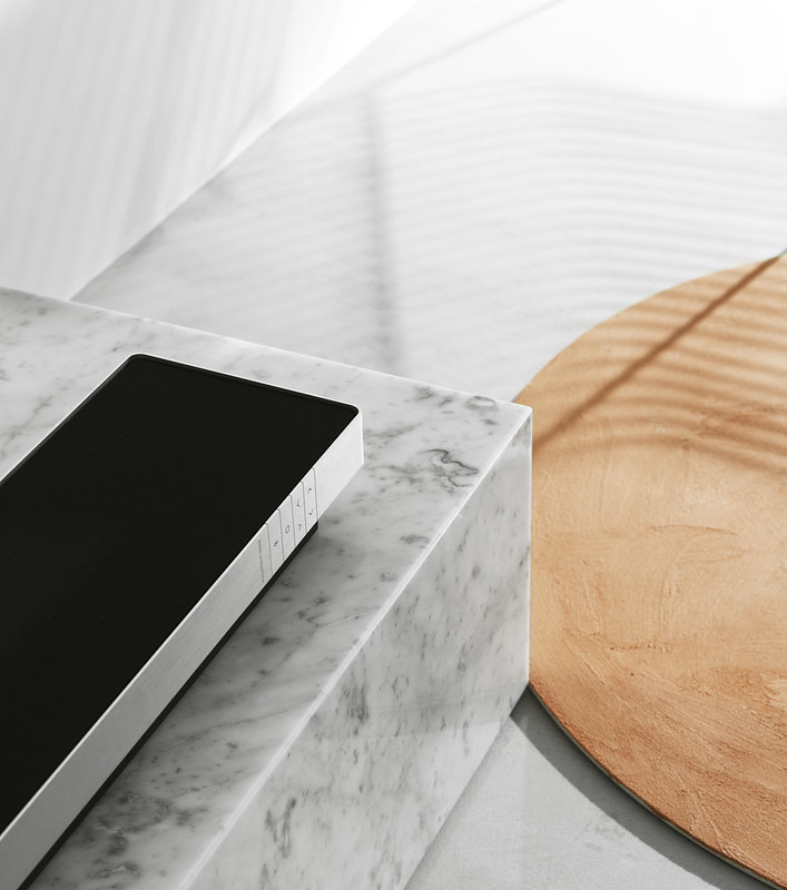 LG OLED48CX6LA + BeoSound Stage Combipack vaste vloerstandaard-3