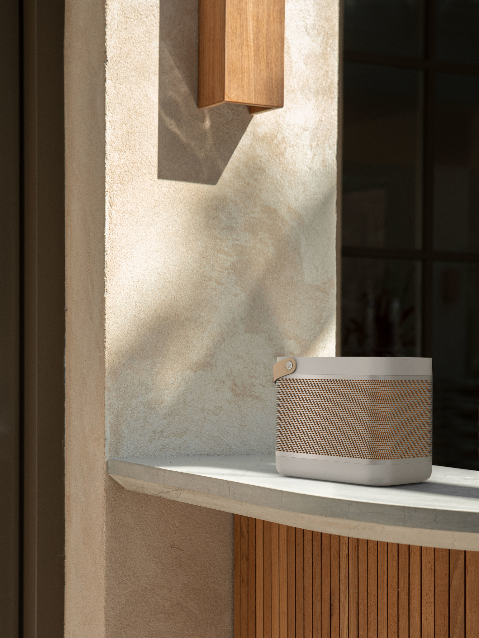 Bang & Olufsen BeoLit 20 Portable bluetooth speaker-5