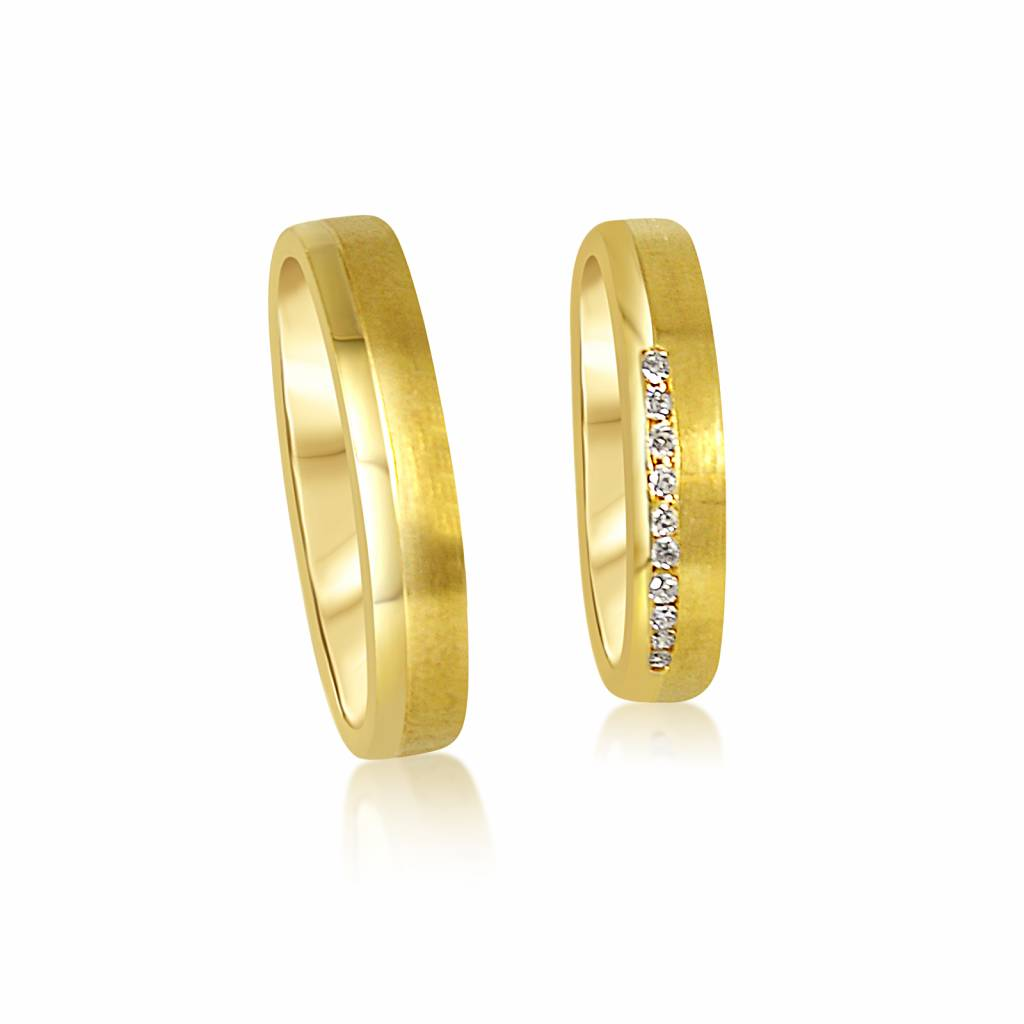18kt yellow gold wedding rings with matt and shiny finish with 0.08 ct diamonds