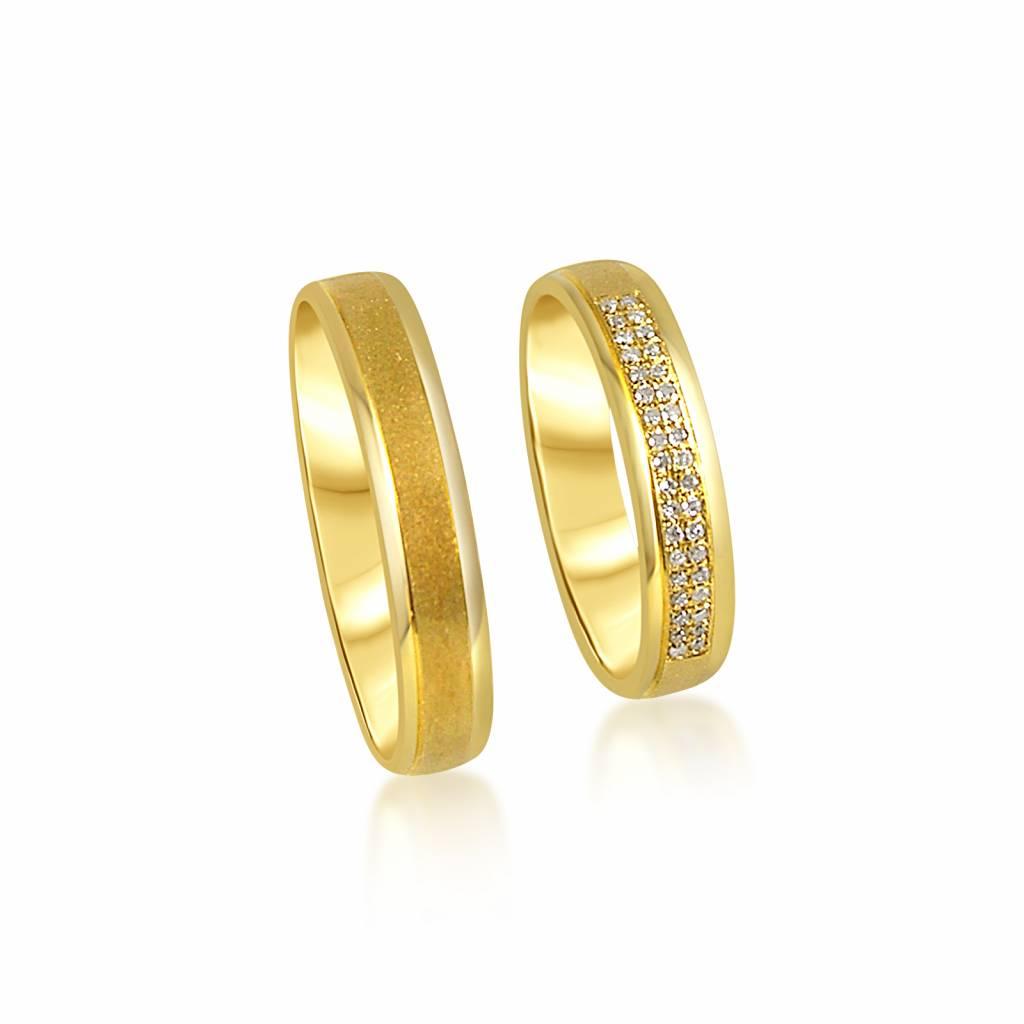 18 karaat geel goud trouwringen met mat en glanzend afwerking met 0.09 ct diamanten