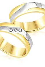 18 karaat wit en geel goud trouwringen met mat en glanzend  afwerking met 0.06 ct diamanten