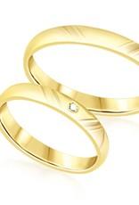 18 karaat geel goud trouwringen met mat en glanzend  afwerking met 0.02 ct diamant