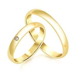 18 karaat geel goud trouwringen met glanzend  afwerking met 0.02 ct diamant