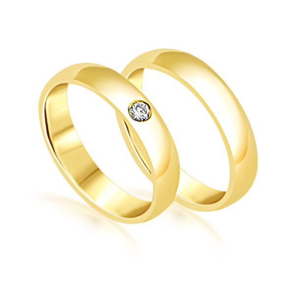 18 karat yellow gold wedding rings with shiny finish with 0.05 ct diamond