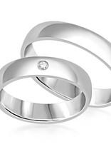 18 karaat wit goud trouwringen met glanzand afwerking met 0.03 ct diamant