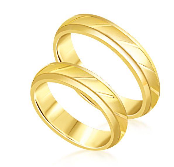 18 karat yellow gold wedding rings with matt and shiny finish ,
