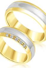 18 karaat wit en geel goud trouwringen met mat en glazend afwerking met 0.10 ct diamanten