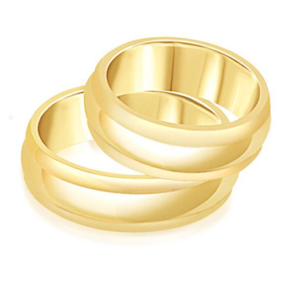 18 karat yellow gold wedding rings with matt and shiny finish , rings in movement