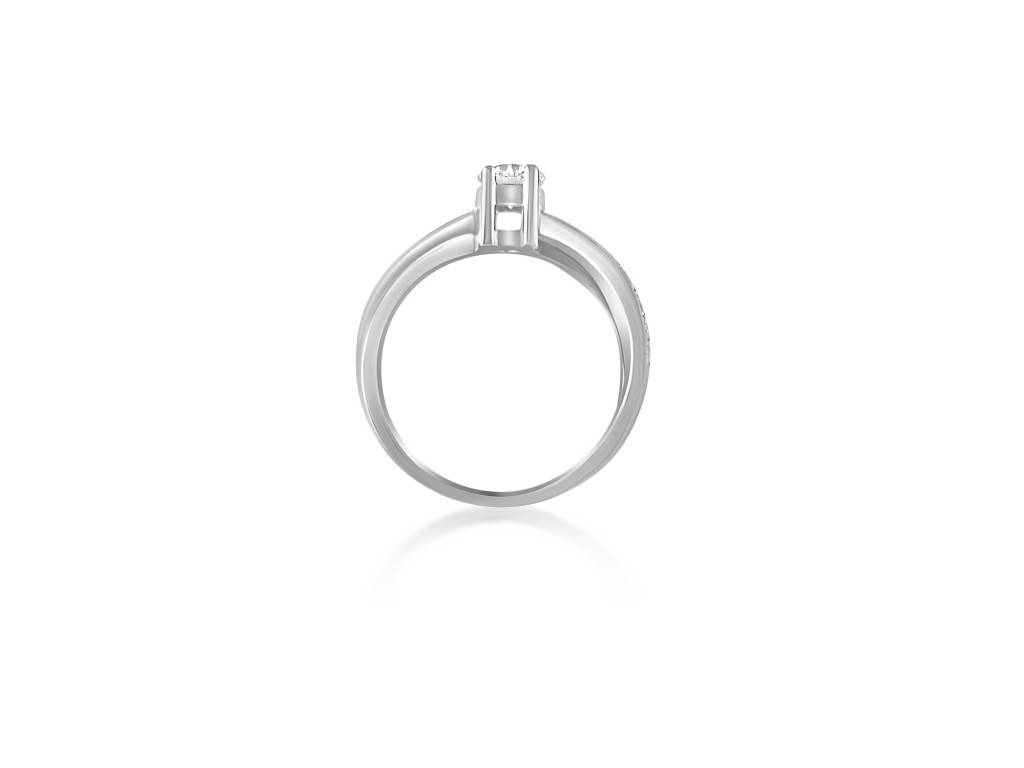 18 karat white gold engagement ring with 0.46 ct + 0.05 ct diamonds