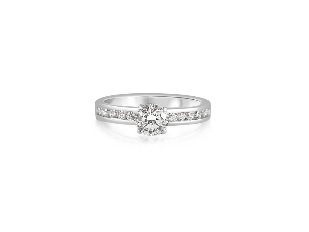 18kt white gold engagement ring with 1.24 ct diamonds