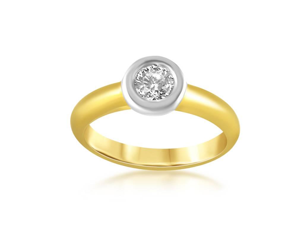 18 karat yellow gold engagement ring with 0.32 ct diamond