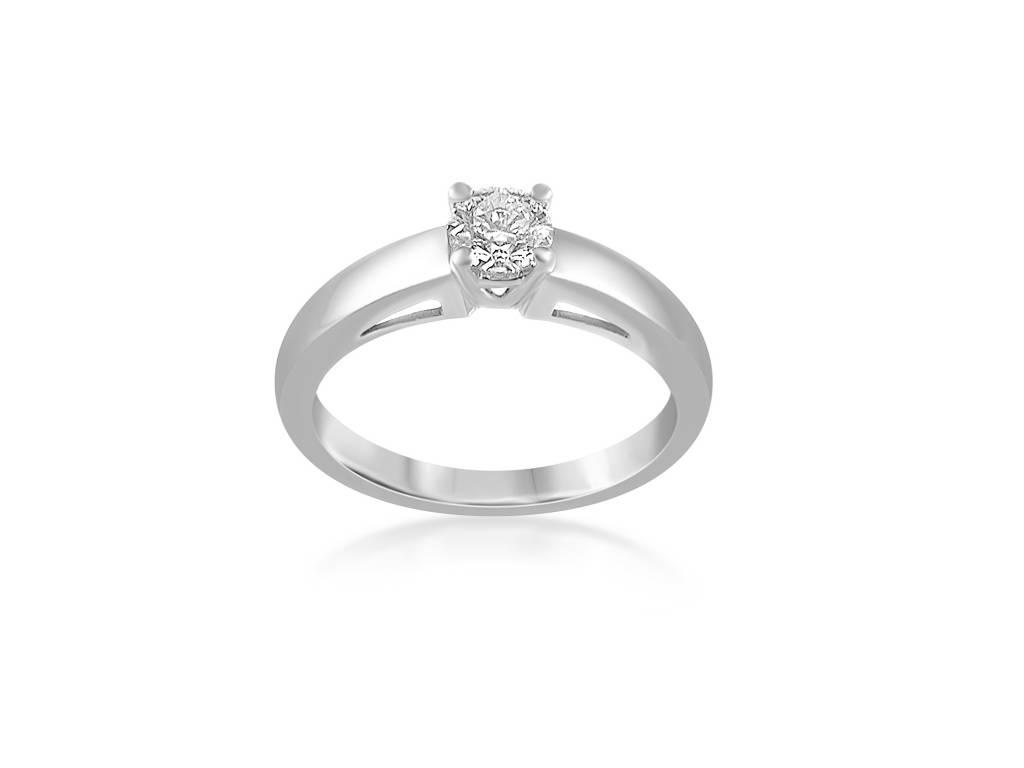 18 karat white gold engagement ring with 0.43 ct diamond