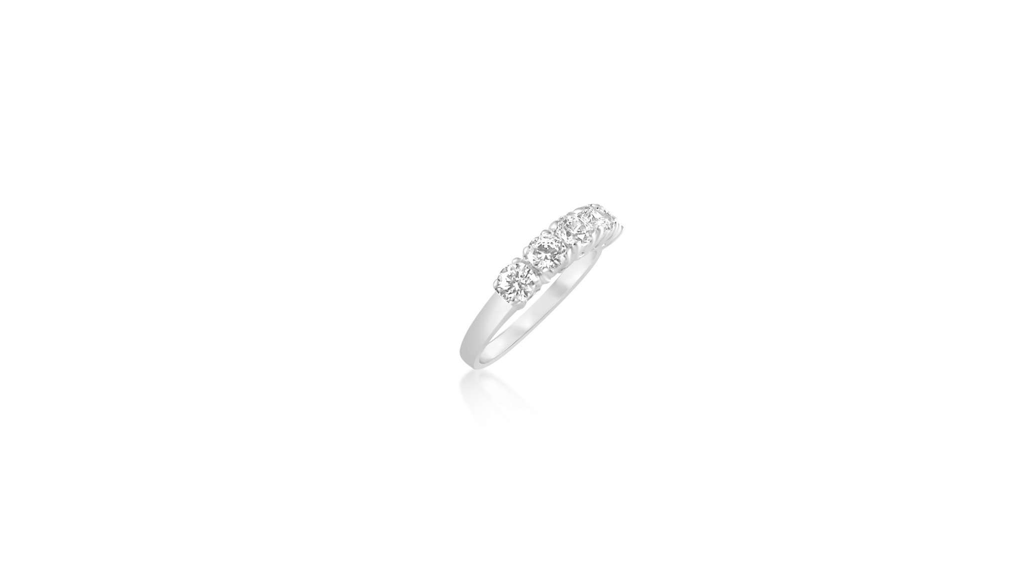 18 karat white gold ring with zirconia