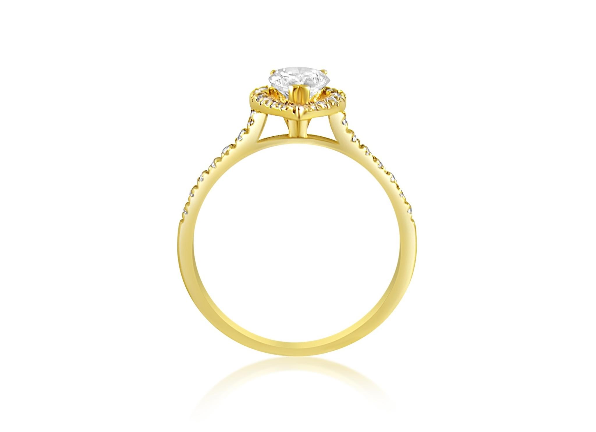 18 karat yellow gold engagement ring with zirconia
