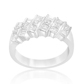 18 karaat wit goud ring met 0.65 CT diamanten