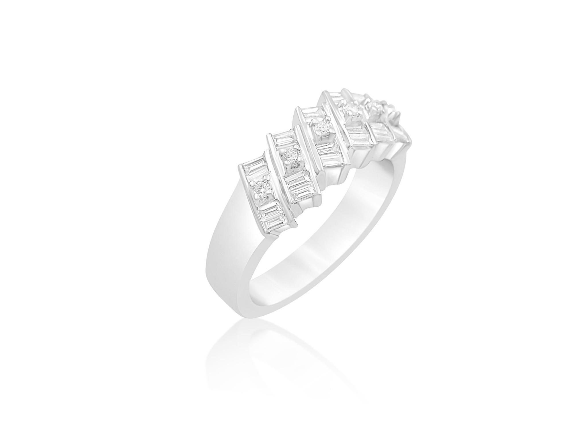 18 karaat wit goud ring met 0.65 CT diamanten
