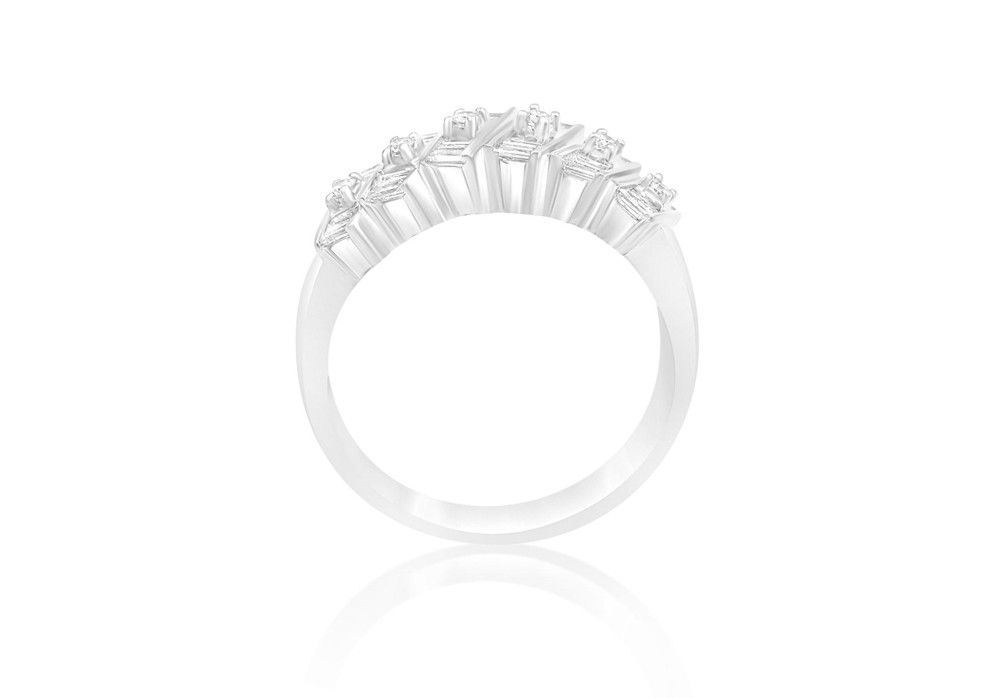 18kt wit goud ring met 0.65 CT diamanten