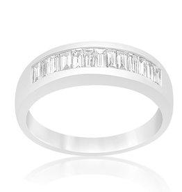 18 karat white gold ring with 0.56 CT diamonds