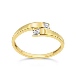 18 karat yellow gold ring with 0.02 CT diamonds