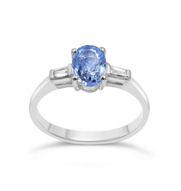 18 karat white gold ring with 0.16 ct diamonds  & 0.87 ct sapphire