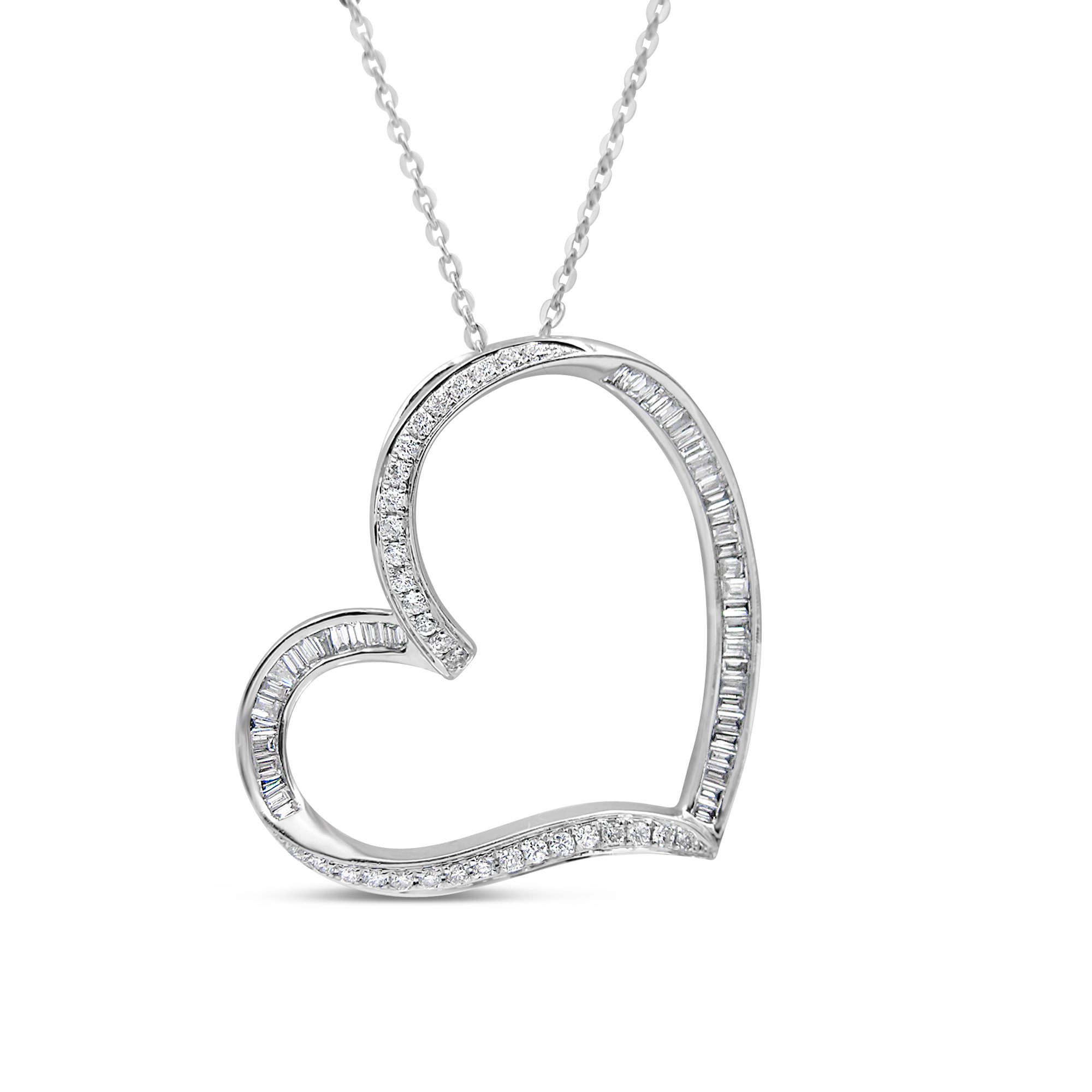 18kt white gold heart pendant with 0.43 ct diamonds