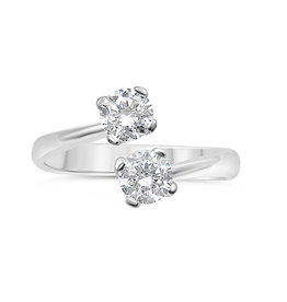 18kt white gold engagement ring with zirconia