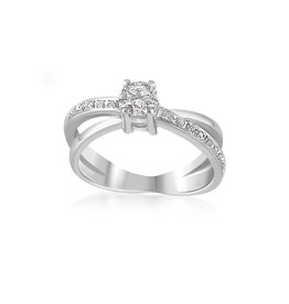 18k white gold engagement ring with 0.71 ct diamonds